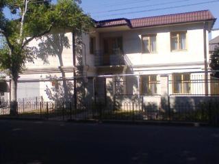 Сдам свой новый 2-эт дом в Одессе, рядом море, 4 ком-ты, 11 спал. мест