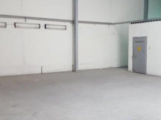 В аренду склад возле таможни (1000 м2, второй этаж, лифт)