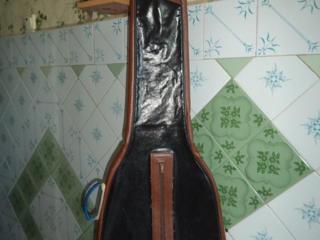 Продаю чехол для электрогитары. Цена 80 р.