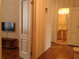Сдаю посуточно-почасово квартиру на Григори Виеру (возле ASEM). Скидки