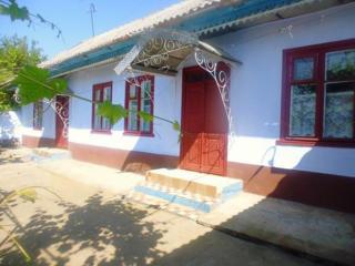 Дом в центе Малаешты на квартиру в Тирасполе или продам.