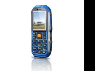 Мобильный телефон, стильный, солидный корпус
