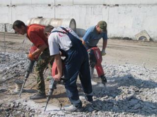 Копка демонтаж земляные демонтажные бетонные работы выгребные ямы