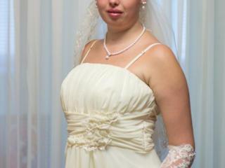 Продам шикарное свадебное платье, цвета айвори!!!!