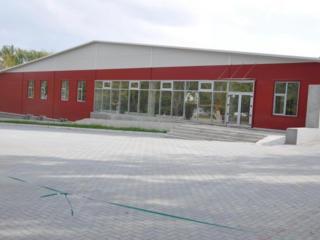 Сдается современное торгово-складское помещение площадью 2916 кв. м.
