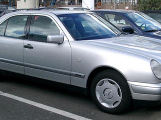 Мercedes-Benz W210 Аэропорт/Вокзал/Перевозки *** кондиционер ***
