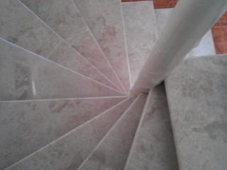 Лестница, ступени из камня