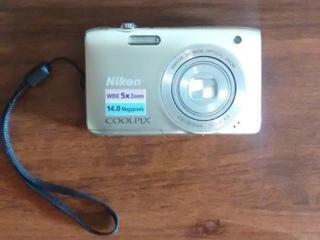 Продам цифровые фотоаппараты Nikon и Samsung.