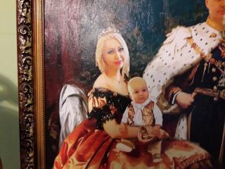 Ищете особый подарок! Закажите портрет-холст 25 евро.