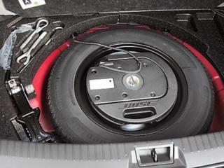 Фирменный сабвуфер BOSE в запаску колеса экономит место багажника 130$