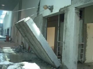 Бельцы демонтаж стен перегородок Соединение балкона с комнатной кухней
