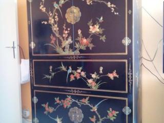 Антикварная мебель в стиле Шинуазри. Дерево, роспись.
