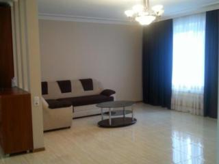 Creanga 84/3, apartament cu 3 odai cu euroreparatie, + garaj