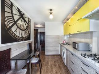 Квартира центр - Negruzzi 6/2 почасово 100 леев/посуточно 25 евро.