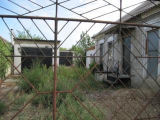 Сдаю огромный гараж +домик с удобствами, Варваровка (трасса на Одессу)
