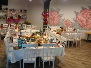 """Cafeneaua """"Dor de Mama"""" organizeaza: cumatrii, banchete, mese pomenire..,"""
