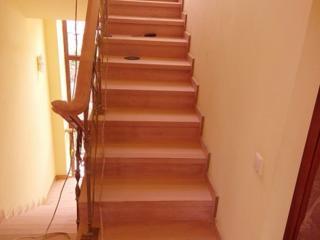 Ремонт реставрация деревянных лестниц Киев и область