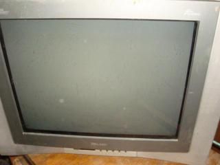"""Продам телевизор """"Ролсен"""", 54 см диагональ, цвет изображение"""