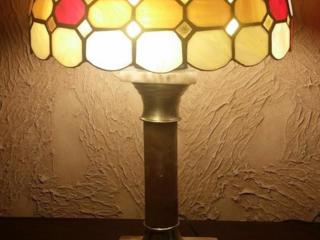Продается настольная лампа Тиффани ручной работы