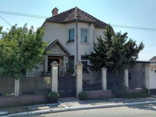 3-этажный дом, все удобства, сауна, гараж, центр г. Рыбница= $99990