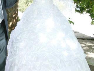 Продам свадебное платье, не венчанное
