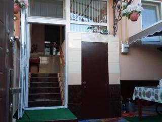 Срочно продается таун-хаус в Грэтиешты!