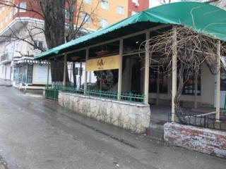 Продаётся кафе-бар с отличным жильём на втором уровне. Торг.