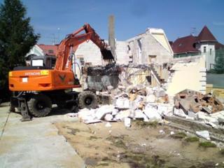 Бельцы очистка участков территории снос демонтаж строений домов зданий