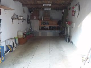 Продам гараж в центре.