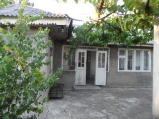 Продаю дом и участок в Сынжерей. Vând casa in Singerei. Lot de constr.