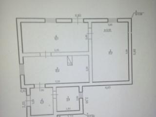 Продам дом в центре с. Стурзовка