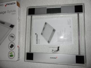 Продаю электронные весы напольные Korona