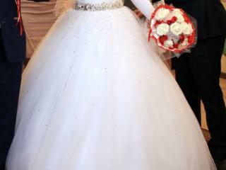 Продам свадебное платье, туфли, шубку, подвязку.