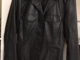 Куртка натуральная кожа S черная -220 лей