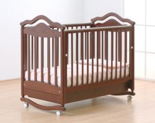 """Детская кровать из дерева """"Малютка"""""""