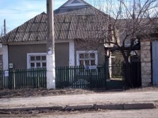 Полдома Ивана Франко (микрорайон Дачия), по цене капитального гаража