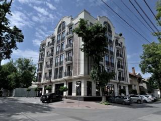 Сдается квартира в доме комфорт класса в самом центре Кишинева. 112 кв