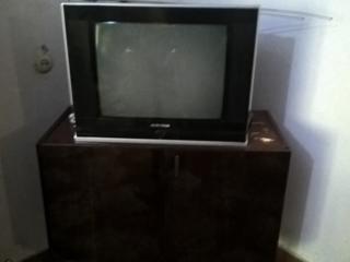 Продаю тумбу под телевизор