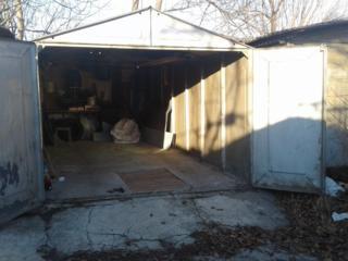 Продам железный гараж Центр г. Бендеры ПАК №5 бокс№576  с подвалом.