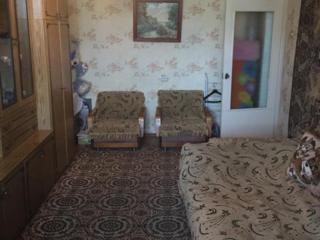 Продается просторная 2-х комнатная квартира.