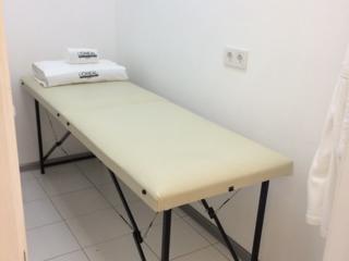Кушетка для наращивания ресниц массажный стол материал для ресниц