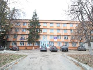 De vânzare încăpere pentru oficii 446 m2 la primul nivel, cu reparație