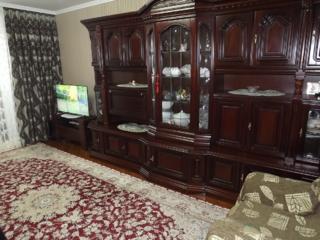 """Продается 2-комнатная квартира напротив рынка """" Бинна"""""""