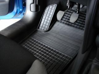 Продам автомобильные коврики универсальные и модельные