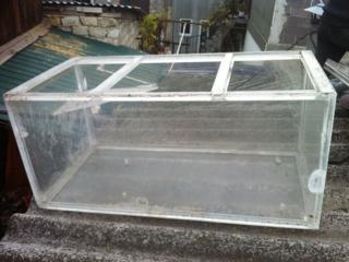 Ящик из органического стекла