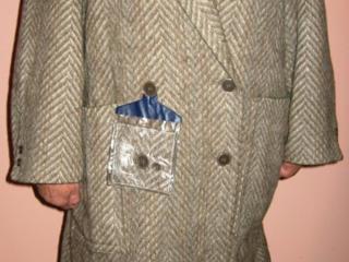 Пальто шерсть 100%; Джинсы; шапки и шарф; разные кофты; куртки