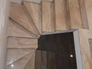 Scări din granit şi marmură / Лестницы из гранита и мрамора