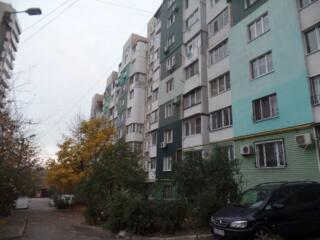 Мирча чел Бэтрын, большая, 143 серия, 63 м2, автономка, ремонт!
