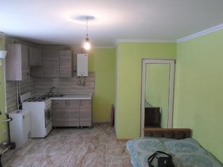 Продам полдома на Кировском в доме ремонт, есть летняя кухня, огород