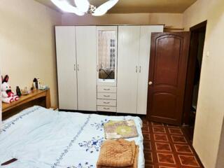 Apartament cu 3 camere, 72 m2,etajul 5 din 9,MC, 3 balcoane, debara.